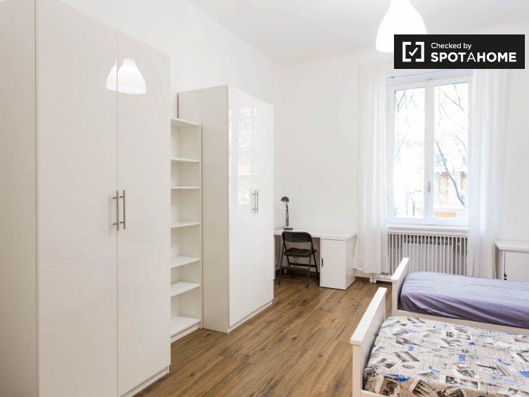 Bed for rent in room in 9-bedroom apartment in Città Studi