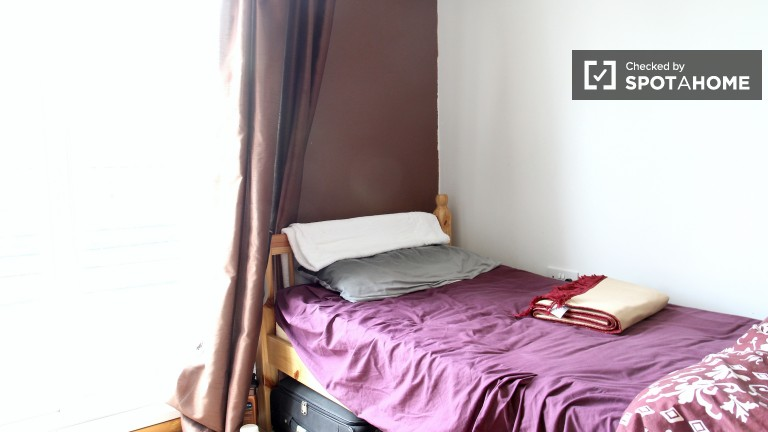 Bedroom 5 - Single Bed With Balcony