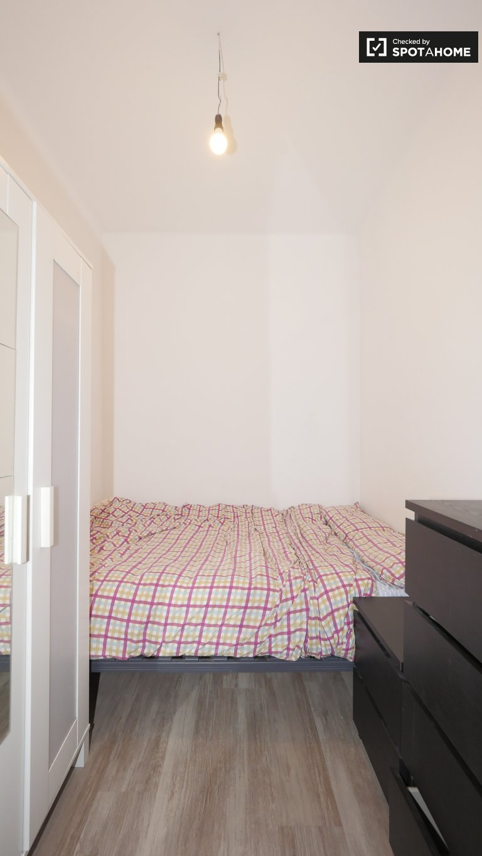 Cozy room for rent in Eixample, Barcelona