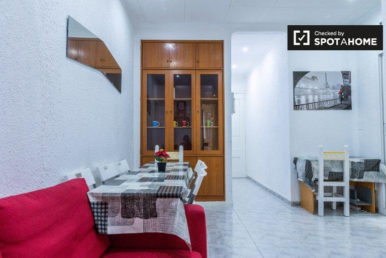 Apartamento de 4 quartos para alugar em El Raval, Barcelona