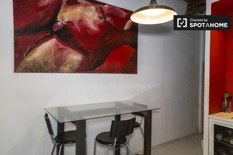 Lovely 2-bedroom apartment for rent in Poblenou, Barcelona