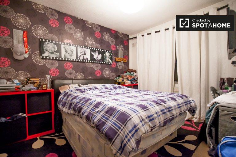 Zimmer zur Miete in einem 3-Zimmer-Haus in Oldbawn, Dublin