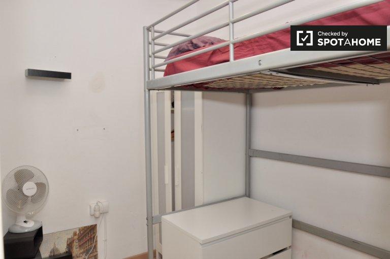 Komfortowy pokój w apartamencie z 3 sypialniami w Sants w Barcelonie