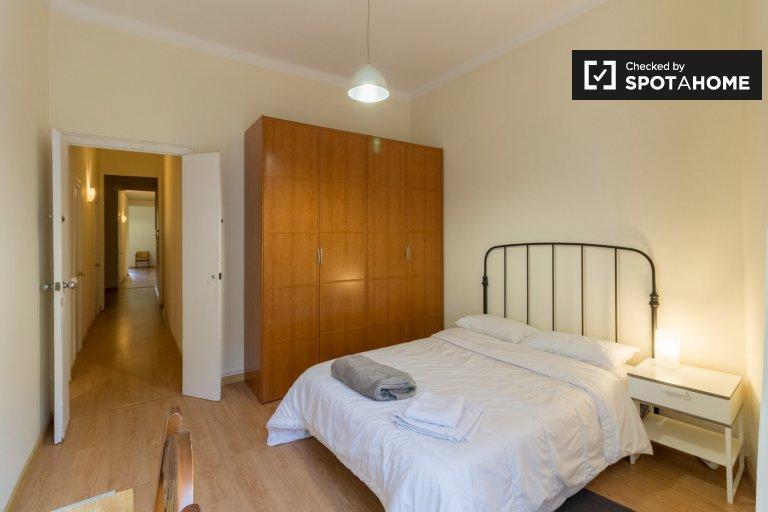 Helles Zimmer zur Miete in 5-Zimmer-Wohnung in Eixample