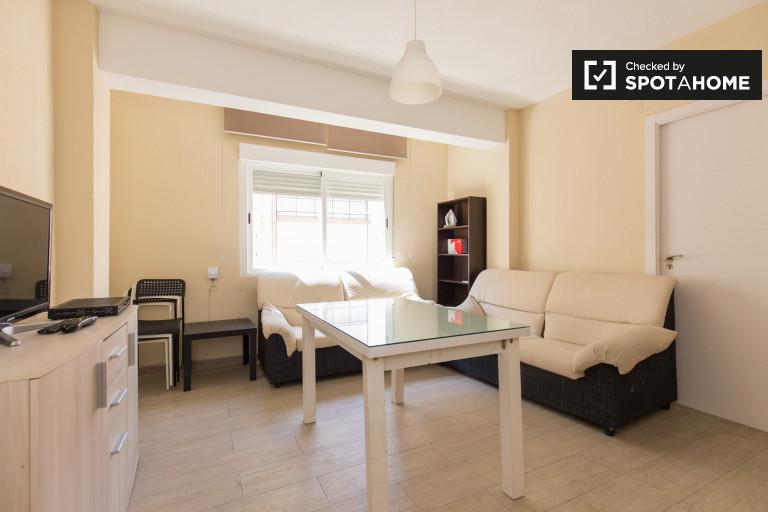 4-bedroom apartment for rent in Pajaritos, Granada