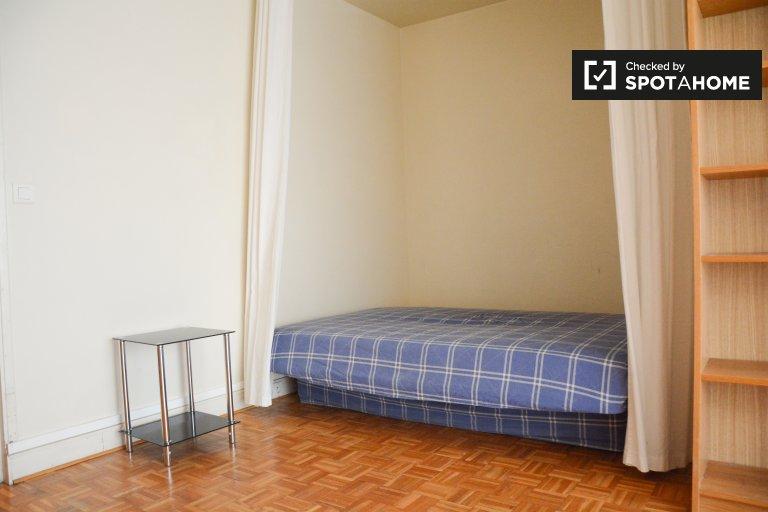 Calm studio apartment for rent near Place des Vosges in the 11th arrondissement