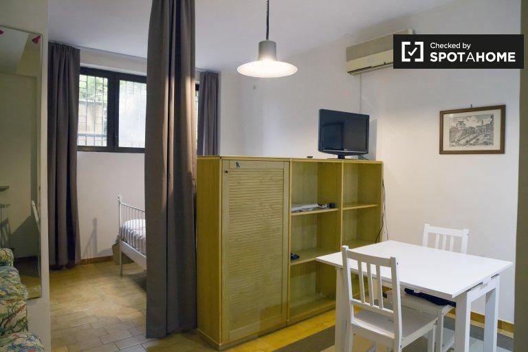 Apartamento en alquiler en Torrino, Roma