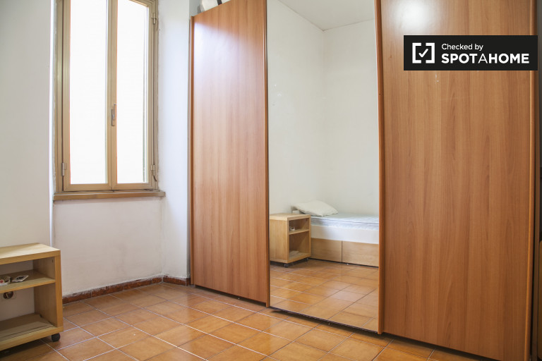 Single room in apartment in Monte Mario Trionfale, Rome