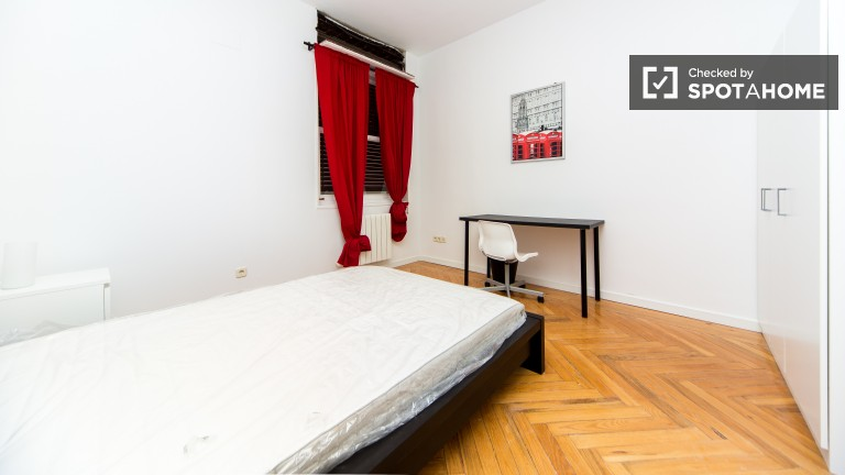 Room 6: Double