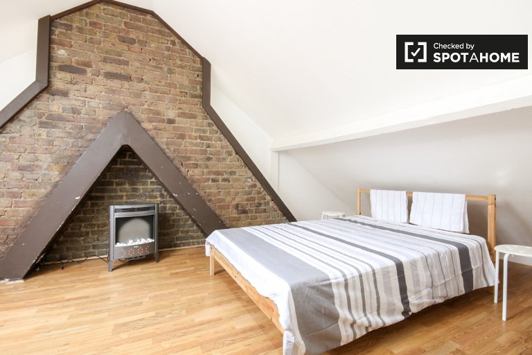 Terrific studio flat to rent close to Boleyn Ground in Newham