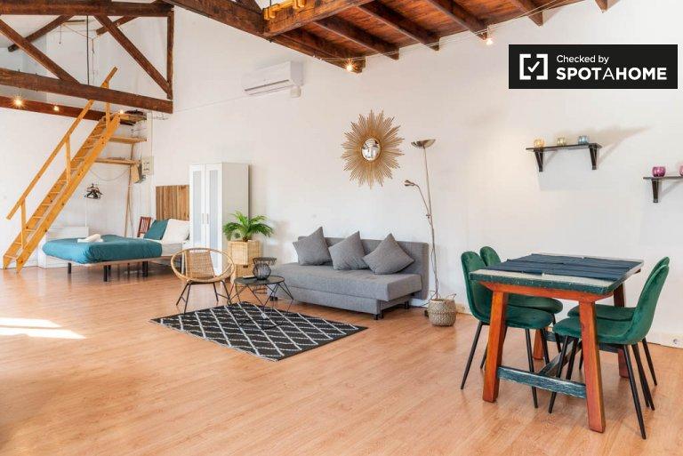 Poblenou, Barcelona kiralık güzel stüdyo daire