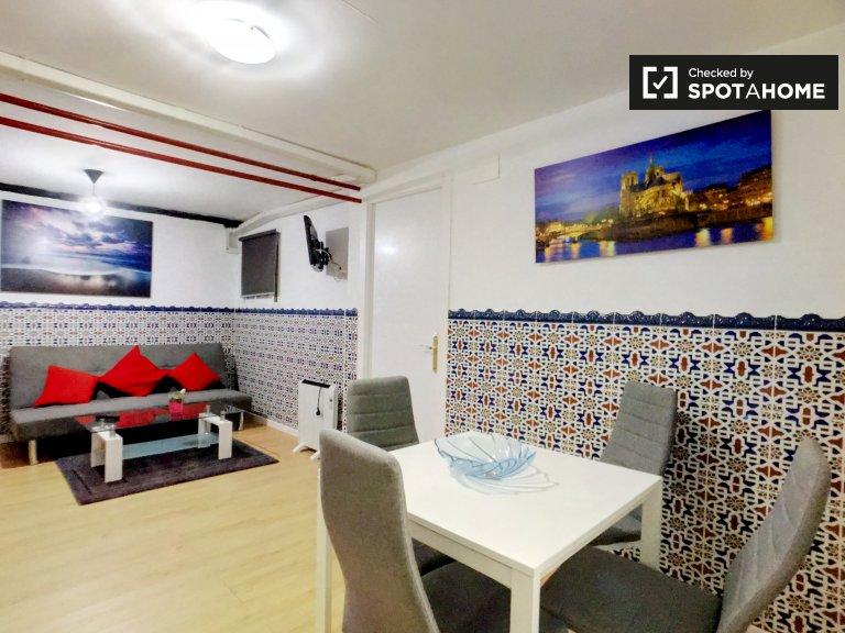 Apartamento de 2 dormitorios en alquiler en Malasaña, Madrid