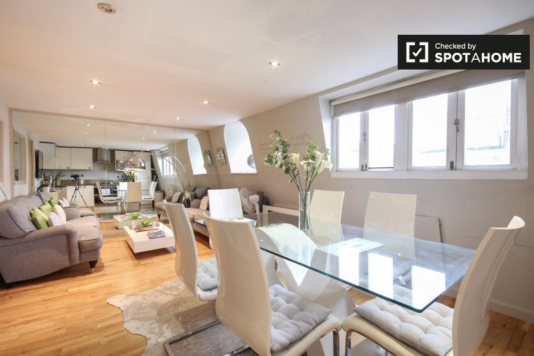 Chic 2-bedroom apartment for rent in Kensington & Chelsea