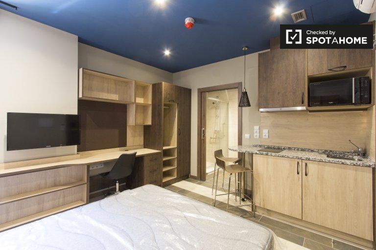 Nette Studio-Wohnung in Studentenwohnheim, Aravaca zu mieten