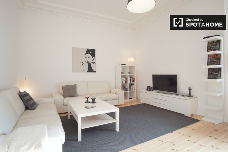Spacious and homely 1-bedroom apartment for rent in Kreuzberg