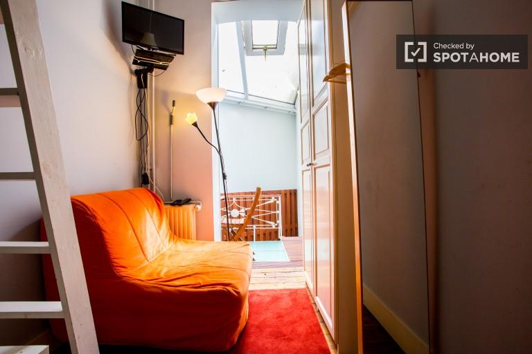 Apartamento dúplex de 1 dormitorio en alquiler en el centro de la ciudad, Bruselas