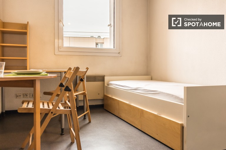 Bright Studio Apartment near Universities in Villeurbanne, Lyon