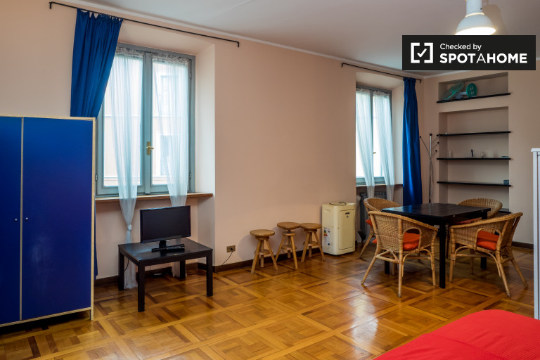 1-bedroom apartment for rent in Cadorna, central Milan
