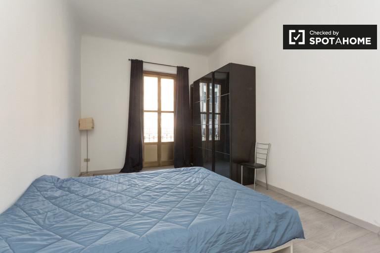 Chambre double dans l'appartement à Stazione Centrale, Milan