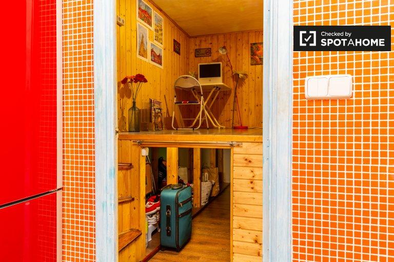 Zimmer zu vermieten in Wohnung in L'Esquerra de l'Eixample