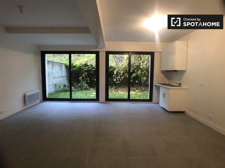 Modern 2-bedroom duplex for rent in Meudon, Paris