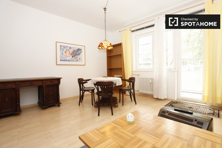 1-bedroom apartment with balcony for rent in Mitte