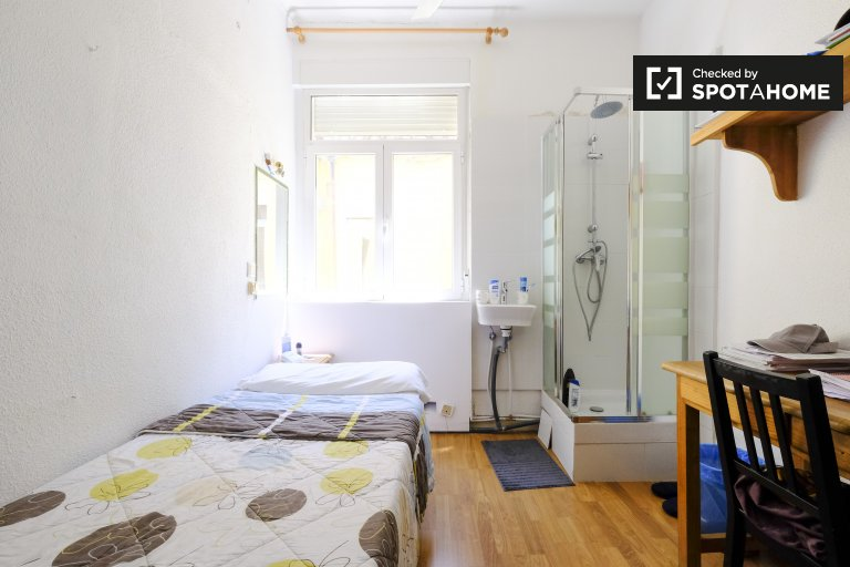 Room to rent in student residence in Argüelles in Madrid
