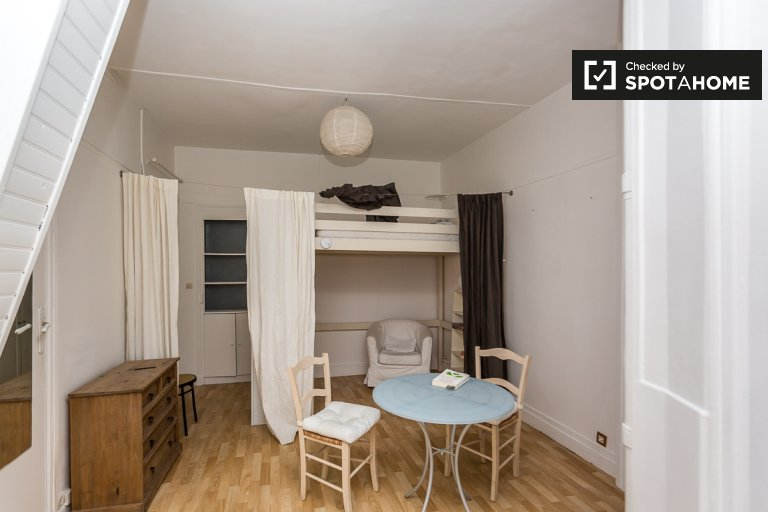 Charming Studio Apartment With Terrace For Rent Near Montmartre In Paris 18