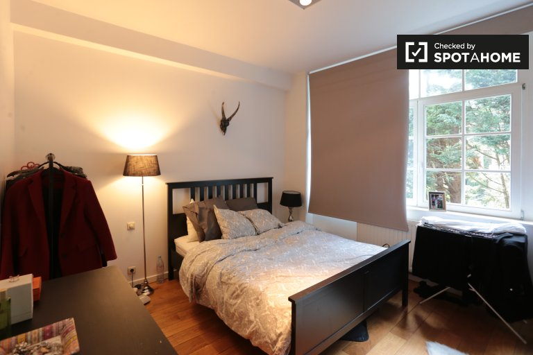 Quarto para alugar em apartamento de 2 quartos em Uccle, Bruxelas