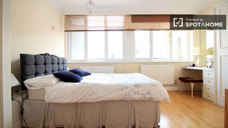 Bedroom 2 with an En-Suite Bathroom