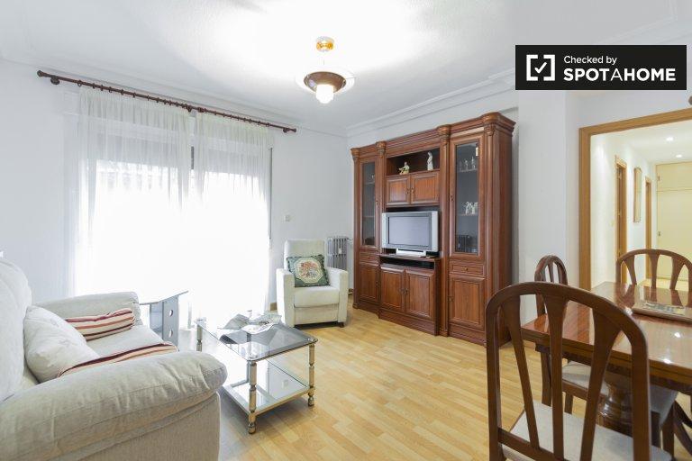 Elegante apartamento de 4 quartos para alugar em Imperial, Madrid