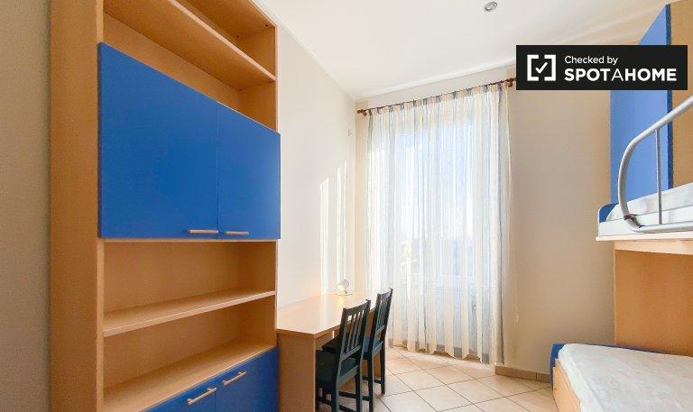 Quarto para alugar em apartamento de 2 quartos em Trieste, Roma