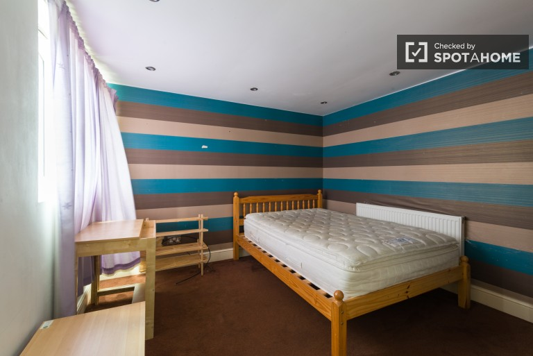 Bedroom 8 with a double bed