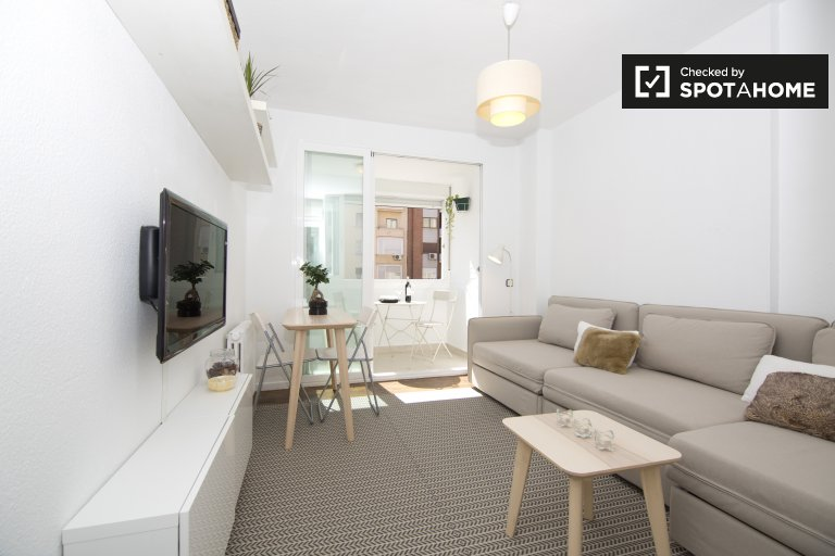 Charming 1 Bedroom Apartment For Rent In Salamanca, Madrid