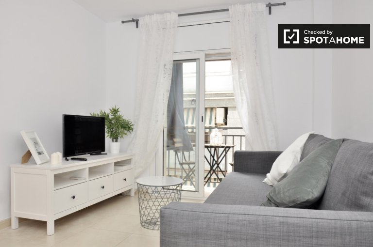 Quiet 4-bedroom apartment for rent in Hospitalet, Barcelona