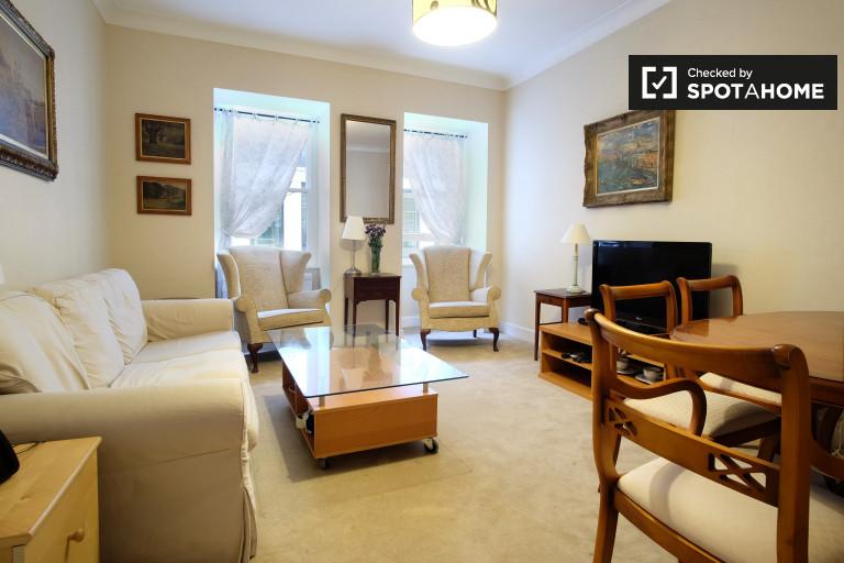 Spacious 3-bedroom apartment to rent in Bloomsbury