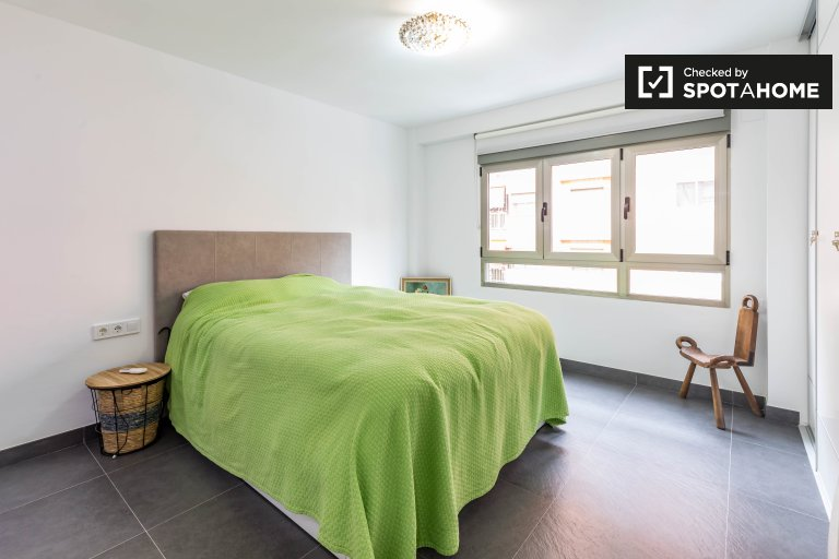 Stanza in affitto in appartamento con 2 camere da letto a Jesús, Valencia