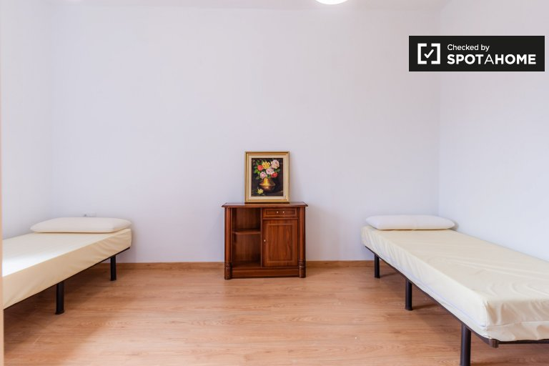 Large room in 7-bedroom apartment in El Raval, Barcelona