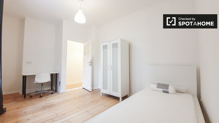 Huge room for rent in Neukölln, Berlin