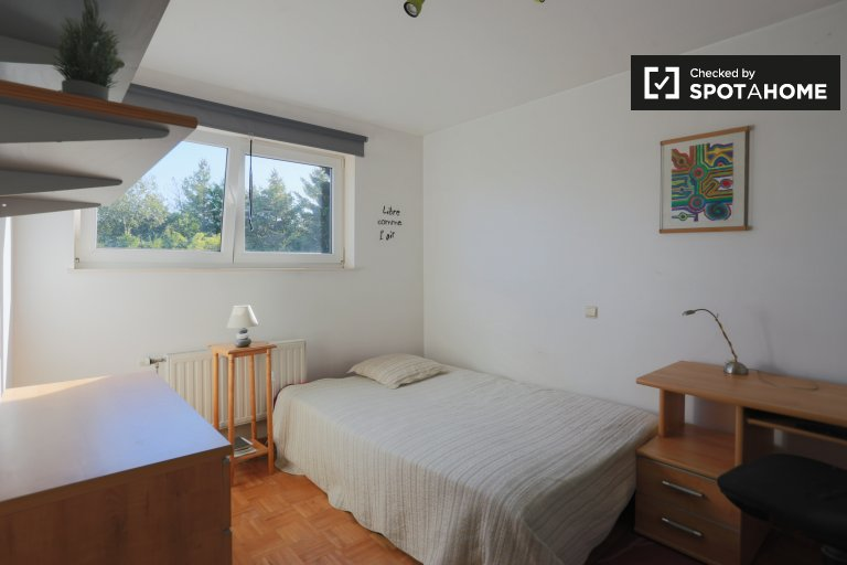 Bright room for rent in 3-bedroom house in Zaventem Brussels