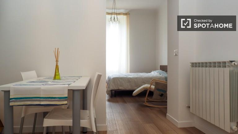 Chic Apartamento T1 com Utilidades em Loreto, Milão