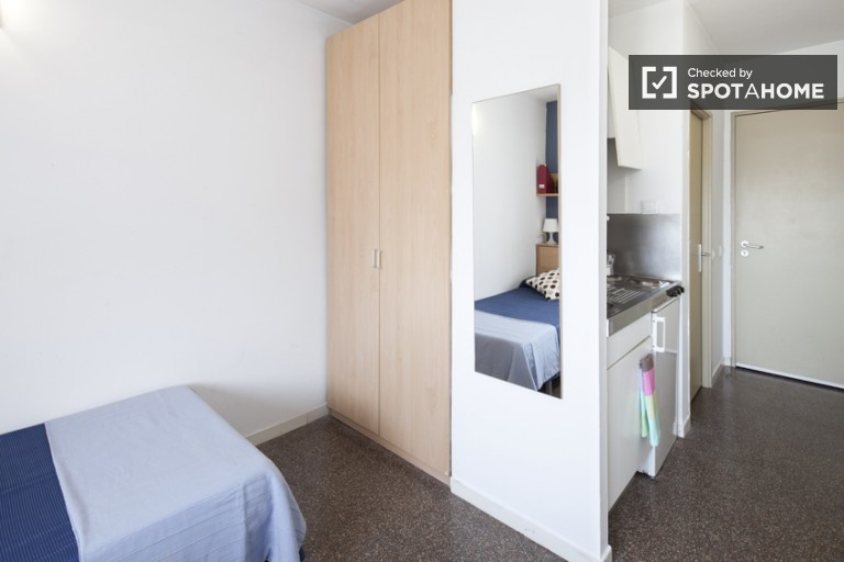 Single Bed in Modern and centrally located Residence Hall in Ciutadella