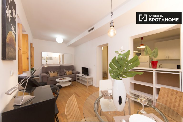 2-bedroom apartment to rent in Puerta de Angel