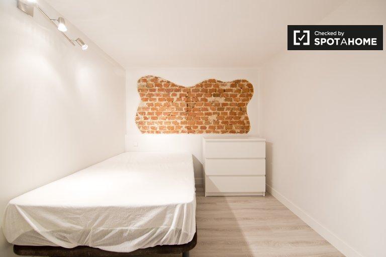 Room in 3-bedroom apartment, Chamberí, Madrid