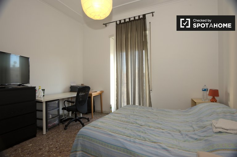 Letto matrimoniale in camera in appartamento con 2 camere da letto, Monteverde, Roma