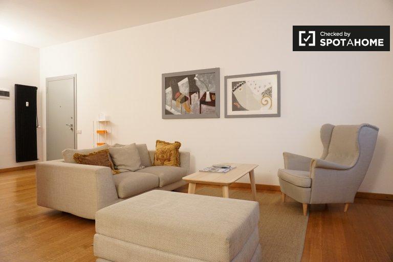 Moderno apartamento de 2 quartos para alugar em Sarpi