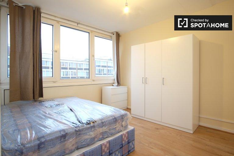 Komfortowy pokój, 4-pokojowe mieszkanie w Roehampton w Londynie