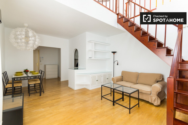 1-bedroom duplex apartment for rent in central Madrid
