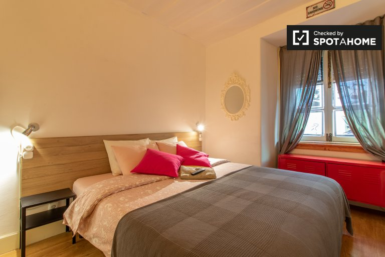 Graça e São Vicente'de 3 yatak odalı dairede kiralık oda