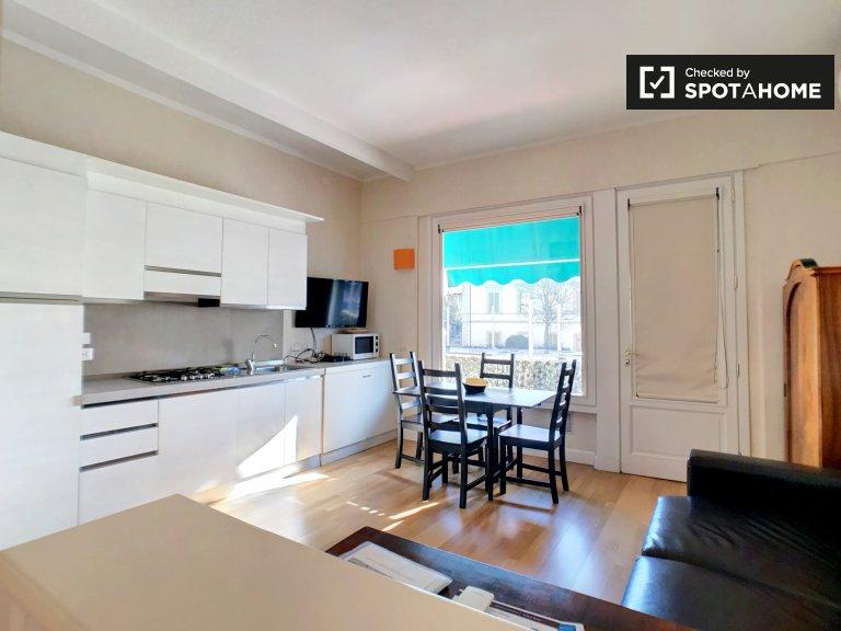 Bright 1-bedroom apartment with terrace for rent in Porta al Prato